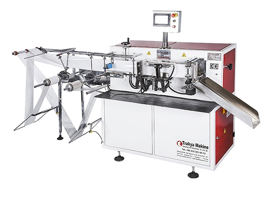 Disposable Cutlery packaging machine / Disposable Cutlery packaging machine